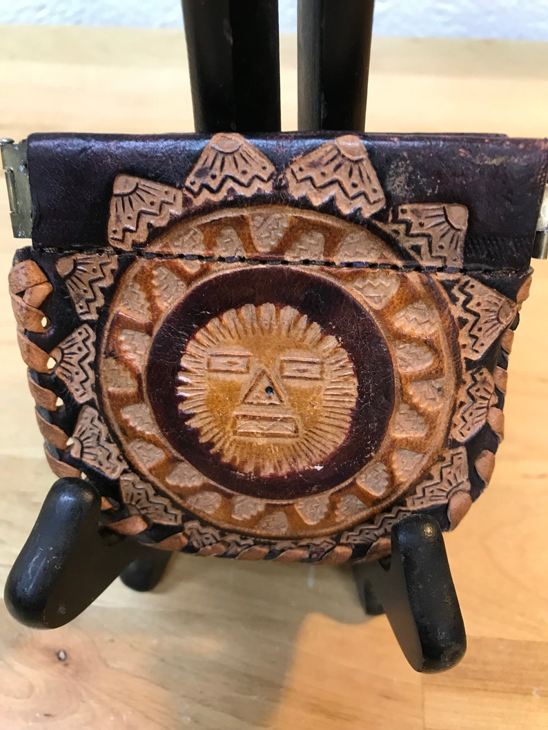 Sun Face design Decorated Embossed Leather Coin Change Purse