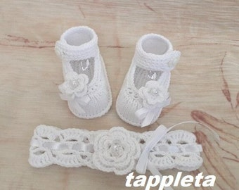 white headband and booties for baby girl, knitted booties newborn, baby girl baptism clothes, baptism baby shoes, knit baby booties