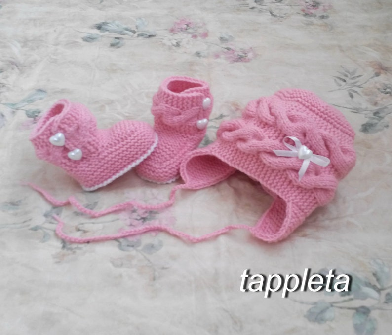 ac75531eec9 Pink Hat and booties with hearts baby girl winter hat