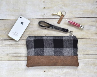 Black and gray plaid flannel wristlet - Faux leather wristlet - plaid flannel wristlet - small purse - gift for her -fall clutch - clutch