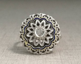 Vintage ring in 18kt white gold, with natural diamond cut antique