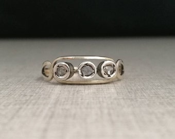 Vintage 12kt gold ring with natural diamonds antique cut