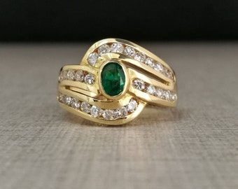 Vintage 18kt gold ring with emerald and natural diamonds Brilliant cut