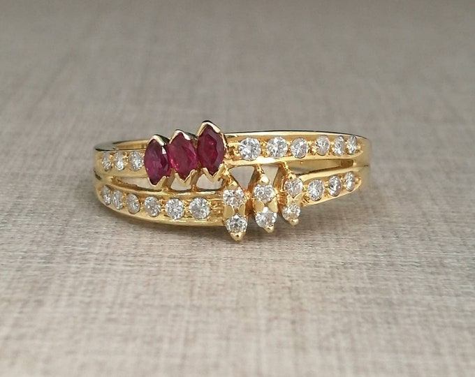 Vintage 18kt gold ring with natural diamonds, brilliant cut and rubies