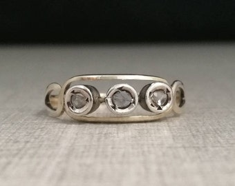 Vintage 12kt gold ring with antique cut natural diamonds