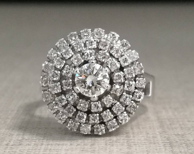 Vintage 18kt gold ring and natural diamonds