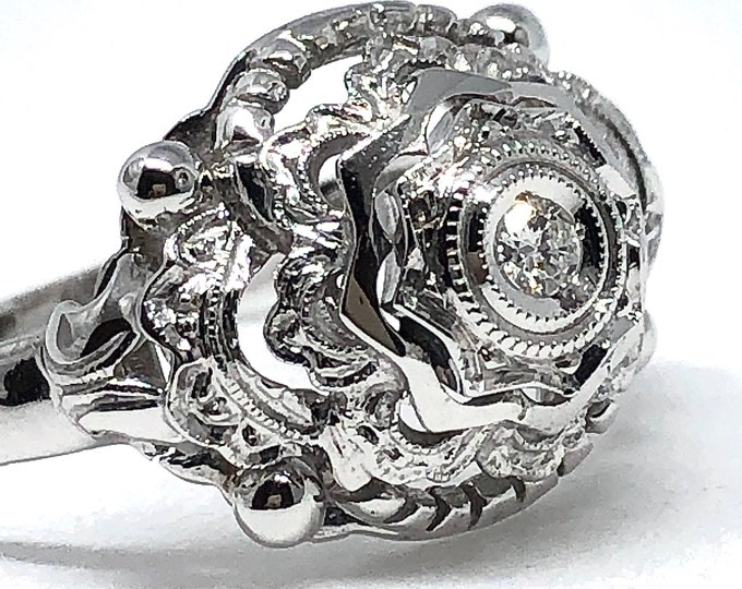 Vintage ring in white gold 18kt with natural diamond