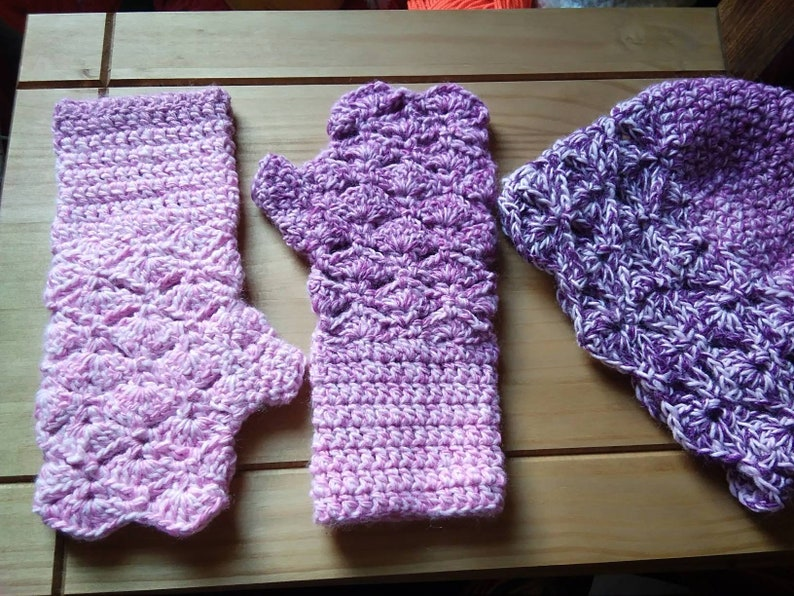 Ladies Hat and Gloves