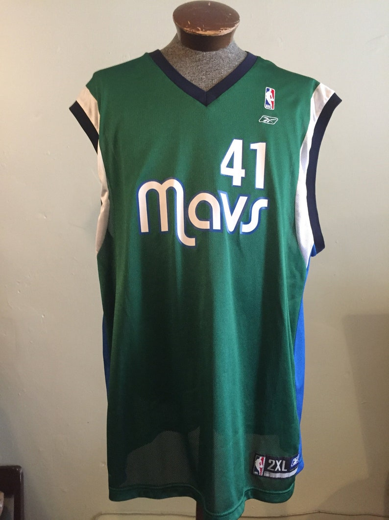 e68f9bd0b99 NOWITZKI   Dallas Mavericks   NBA apparel   b-ball jersey