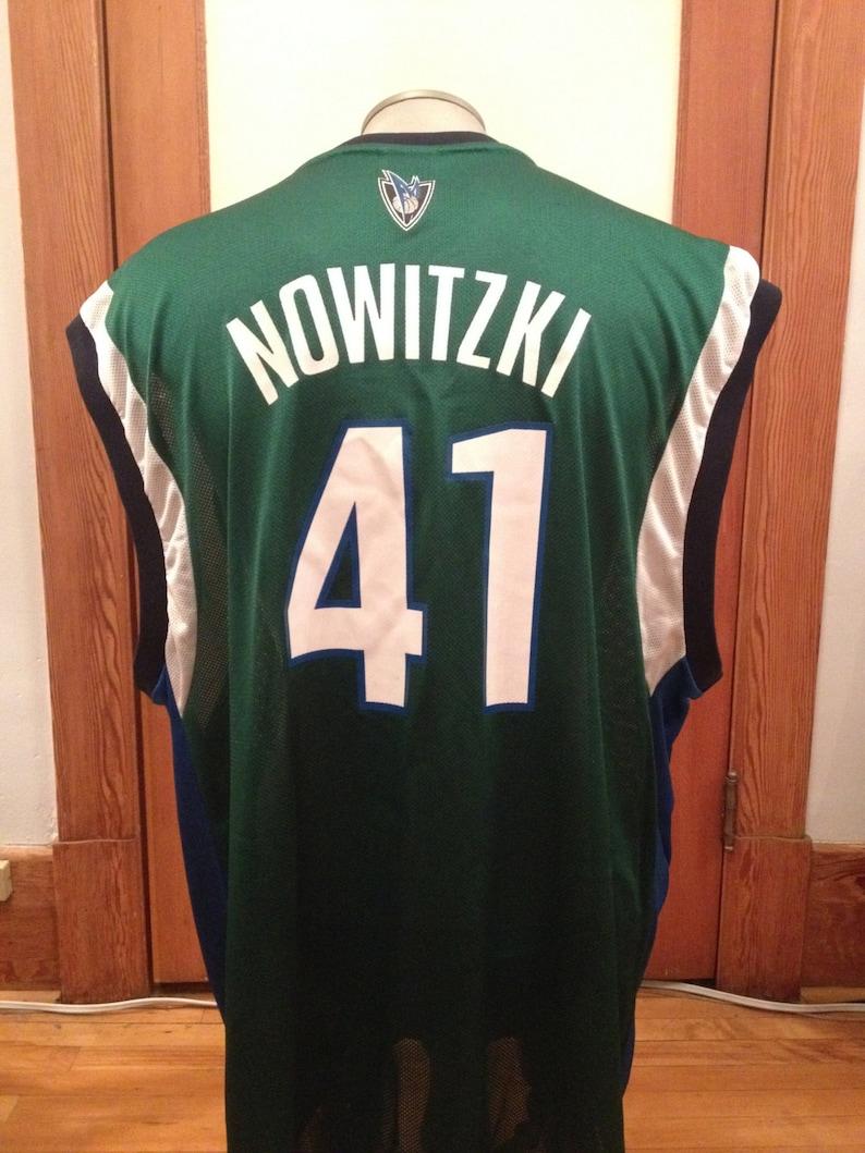e5a390dd2 NOWITZKI   Dallas Mavericks   NBA apparel   b-ball jersey