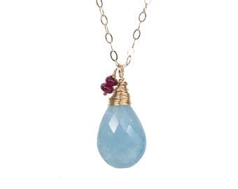 4783b7de226 Grand aigue marine collier   aigue marine et rubis pierres précieuses  collier déclaration   mars pierre de naissance mars cadeau d anniversaire  pour elle