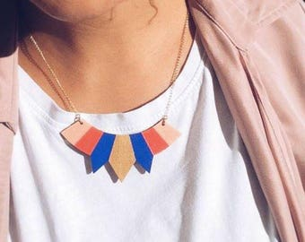 Graphic wooden necklace, breastplate necklace, geometric, blue, red, orange, pink, beige and gold, chain gold with fine gold - ETNA -