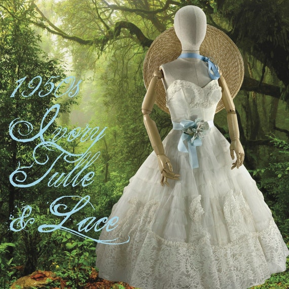 Late 1950s Ivory Tulle & Lace Party Dress  - Fairy