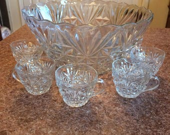 Vintage Arlington crystal punch bo wl & 8 cups and scallops rim
