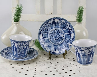 Antique early 20th century Chinese porcelain tea set two piece set