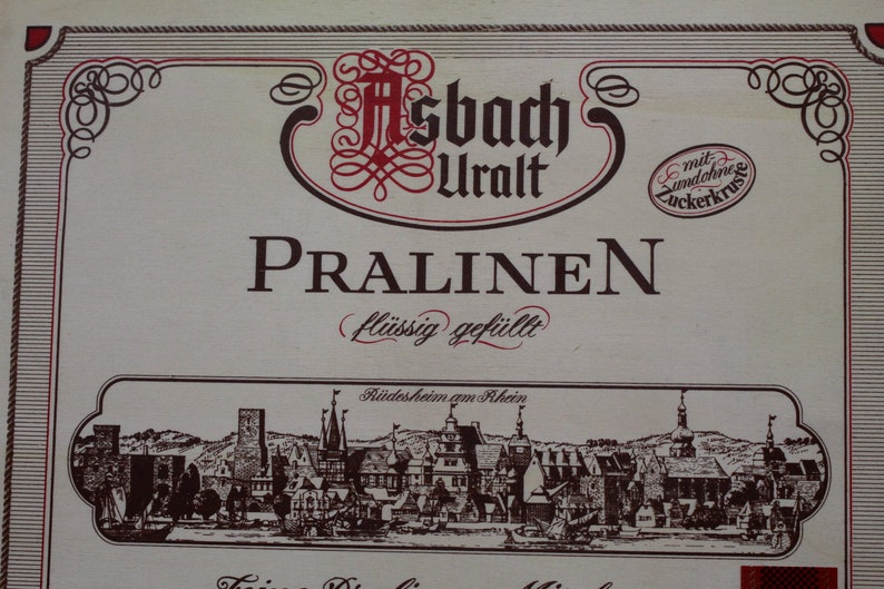 Illustrated collector wooden box wooden box box of chocolates Asbach Uralt  from the city of Rüdesheim