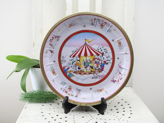 Vintage. Serving plate cake plate biscuits plate serving bowl plate cookie plate HP tin bowl Germany