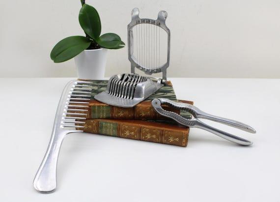 mis en pi ces vintage 3 oeufs de western ma aluminium peigne. Black Bedroom Furniture Sets. Home Design Ideas
