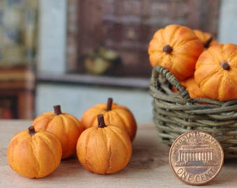 Miniature pumpkin for dollhouse. Miniature vegetables. Pumpkin. Pumpkin miniature. Pumpkin toy. Pumpkin in your Dollhouse. In 1/12 scale