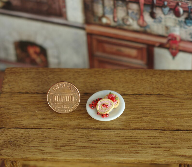 Other Dollhouse Miniatures Dolls House Cherry And Chocolate Tart On A Plate With A Spoon Dolls & Bears