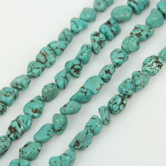 """Turquoise dyed Howlite Gemstone Chips Strand//Necklace 16/"""""""