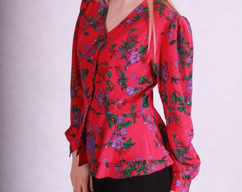 Beautiful vintage red floral blouse with basquine // 80s vintage romantic top