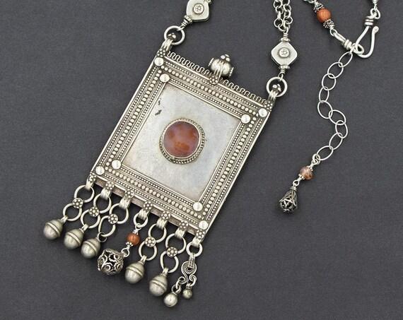 Bold silver Yemeni pendant necklace