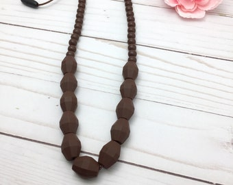 Teething Necklace for Mom | Fiddle Necklace | Silicone Teething Necklace | Chew necklace for Mom | Nursing Necklace | Biting Necklace
