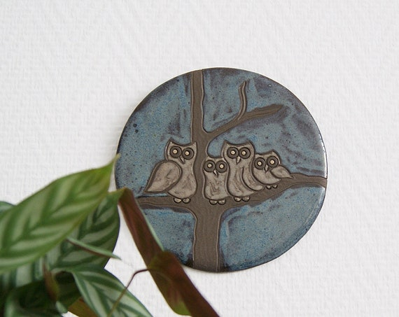 Ceramic picture with owls, small wall plate with animal motif