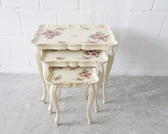 Florentine set tables in white purple, set of three stackable wooden tables in antique style