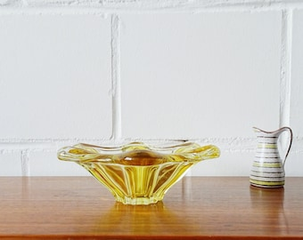 Italian Vintage Glass Bowl in Yellow and Clear Glass, Mid Century Glass Art