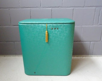 green laundry chest made of wood, vinyl and brass, laundry basket, laundry container, laundry box 1968