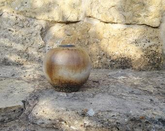 Dümler and Breiden ball vase in natural tones