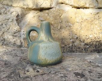 Otto ceramic vase eucalyptus green with handle