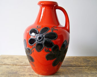 Bay ceramic vase in red black with floral décor, red handle vase, floor vase