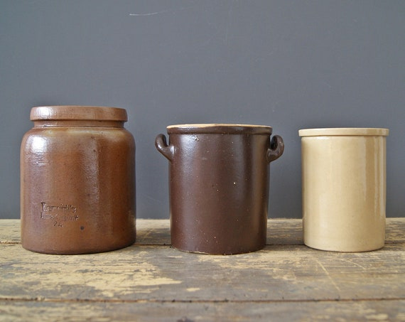 earth-colored set of three clay pots, beige Flower Pot brown, Kitchen Storage