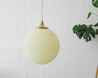 Ball lamp made of granules and brass, round pendant lamp