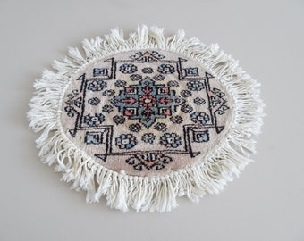 oval mini vintage rug beige with fringes, Orient rug, oval mat 32 cm, tablecloth