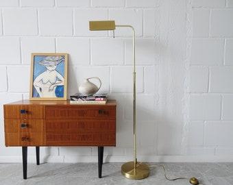 height-adjustable brass floor lamp by Sölken luminaires