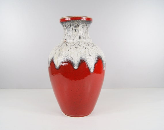 Bay floor vase in red and light Fat Lava glaze, red ceramic