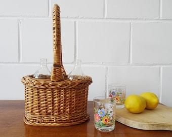 Rattan bottle basket for two bottles