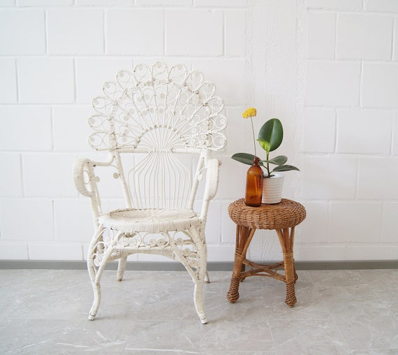 Peacock chair white 1960s, armchair rattan, mid century rattan furniture, peacock armchair