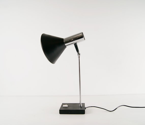 Desk lamp in black and chrome metal, table lamp 1960s, joint lamp