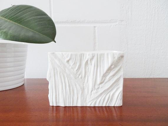 Biscuit porcelain vase, angular flower pot, white flower vases
