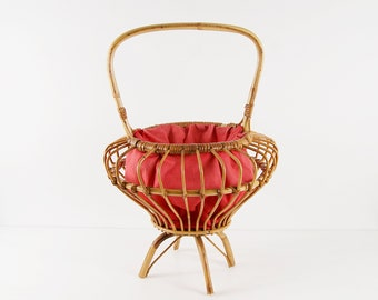 Vintage bamboo basket with handle, rattan basket with pink fabric