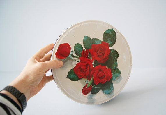 Tin box with rose pattern, old tin with lid in green red white