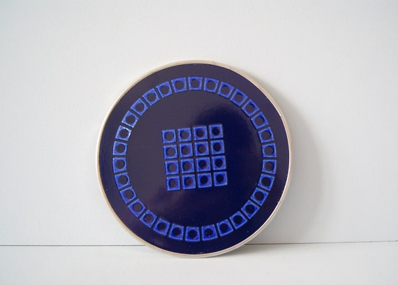 round ceramic trivet in blue, mid century serving things, blue coaster