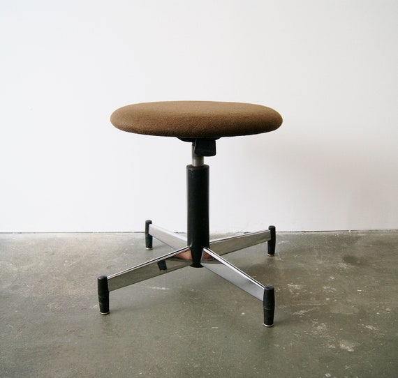Stool by Martin Stoll for Giroflex 1960s, swivel stool height adjustable, office furniture, workshop stool, architect's chair