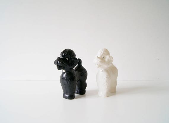 60s poodle, Poodle black and white, plastic toys, collectible toys, vintage toys, dog figurines, toy poodle