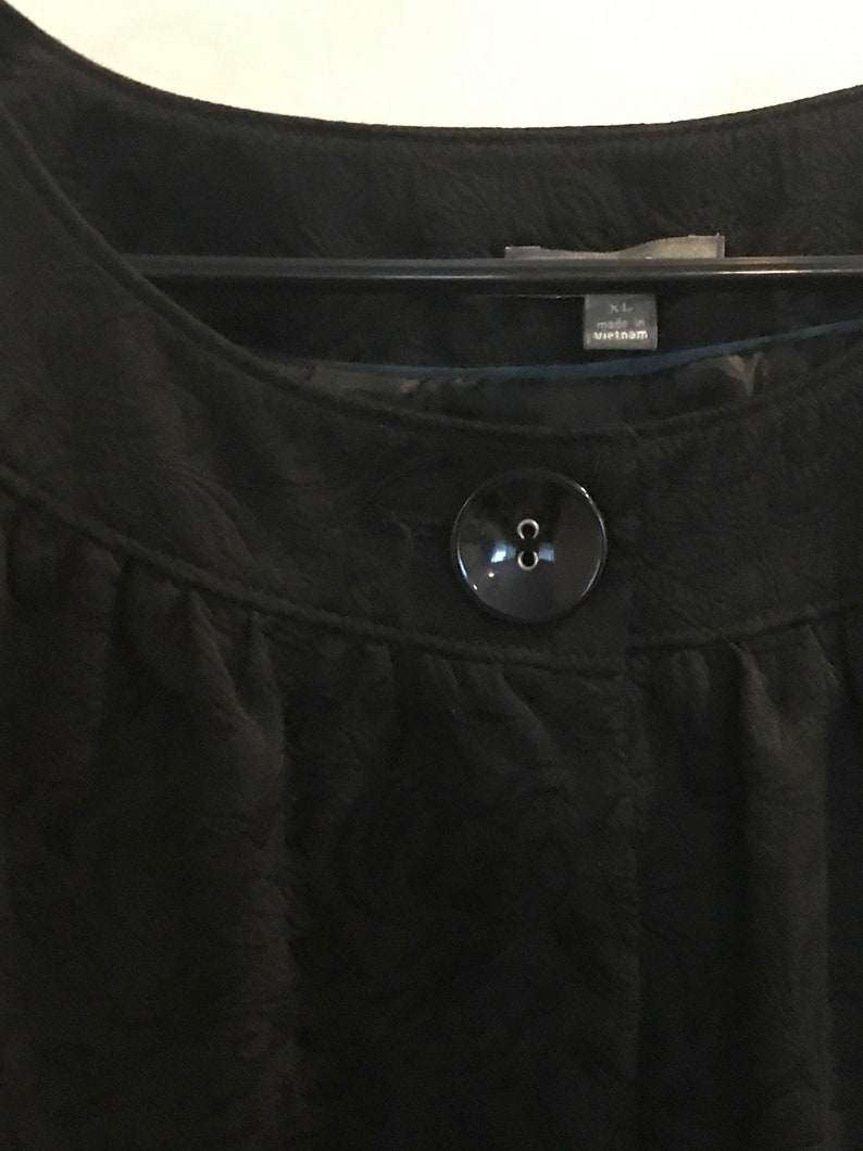 Black Jaquard short jacket with elbow sleeves  by Apt 9 size XL Jackets